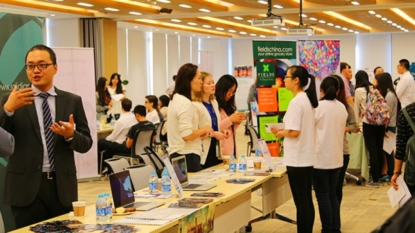 NYU Shanghai's CDC Hosts Grad School Blast